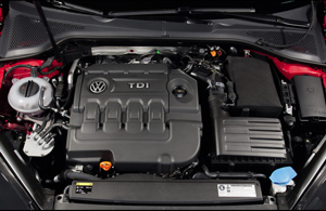 2013_volkswagen_golf_TDI_Engine
